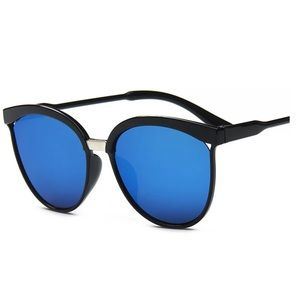Accessories - Designer Vintage Blue Mirror Flat Lens Sunglasses